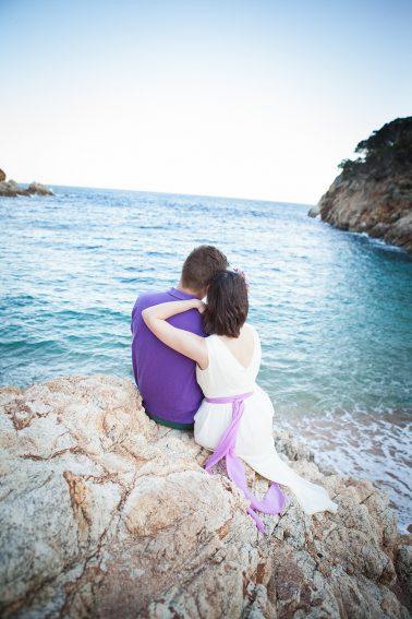 Brautpaar-Blick-aufs-Meer