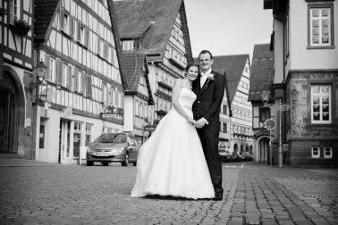 Hochzeit-Fachwerk-schwarz-weiß