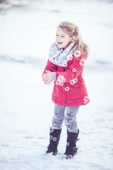 Kinderfotografie_im_Schnee