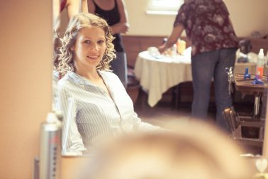 Reportage-Braut-Locken-Vorbereitung-Morgen-Haare