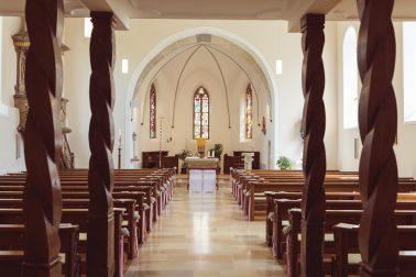 Kirchliche Trauung im Vintage Stil in Lauterach auf der Schwäbischen Alp