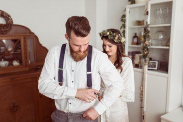 Standesamtliche Hochzeit in der Inselstraße Düsseldorf mit Brautpaarshooting am Schloss Eller