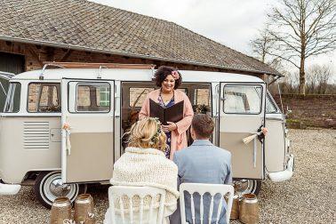 Freie Trauung Boho Winter Hochzeit mit Trockenblumen im Mühlenhof Kalkar am Niederrhein