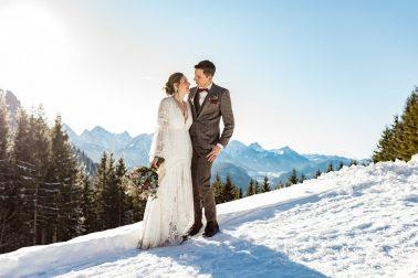 Heiraten in den Bergen im Winter Rohrkopfhütte im Allgäu
