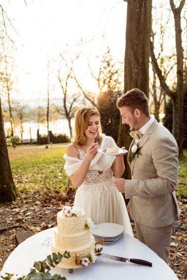 Hochzeitstorte anschneiden Villa Kalles