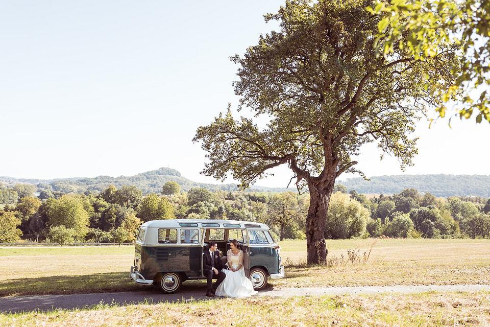 Vintage Hochzeit mit Bulli in Knittlingen