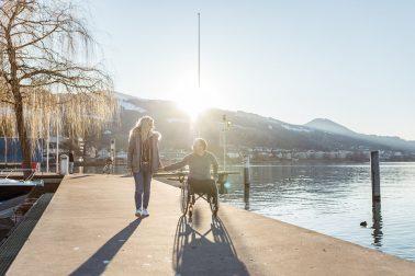 Winterliches Paarshooting am Zürichsee in Wangen in der Schweiz