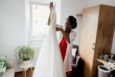 Hochzeitsfotograf Getting Ready Scheffelhof Maulbronn