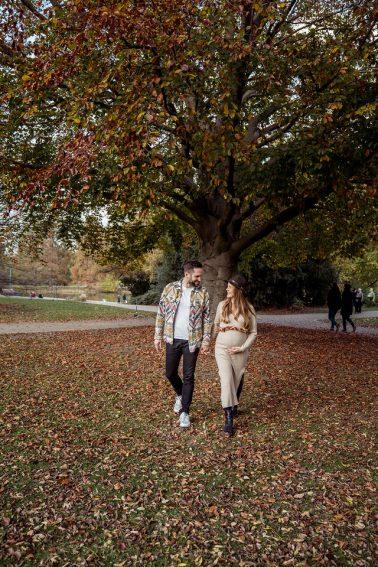 Schwangerschaft Shooting in Düsseldorf Zoo Park im Herbst