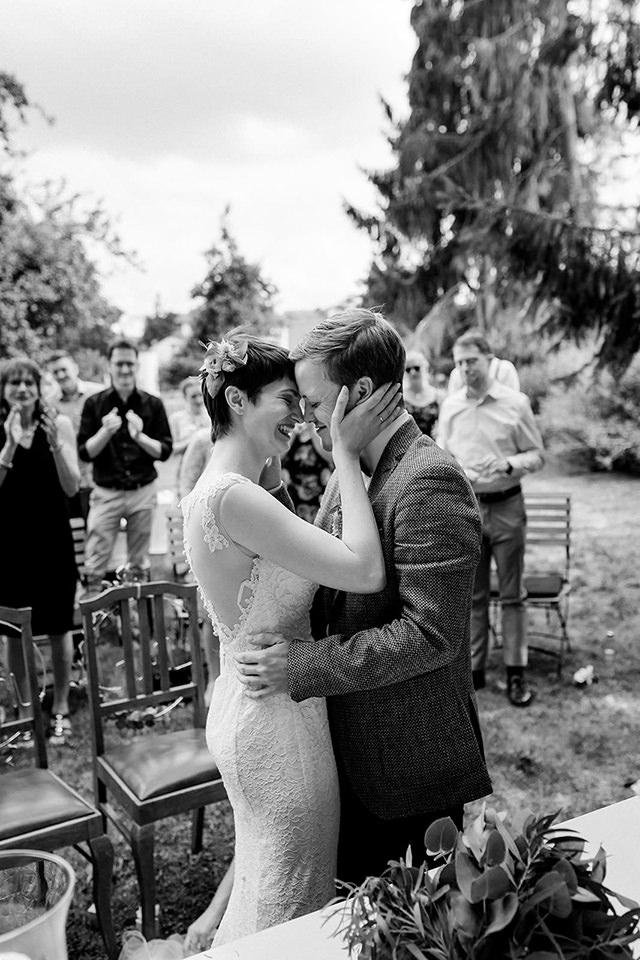 HochzeitsfotHochzeitsfotograf Düsseldorf heiraten mit freier Trauung im Berthold 57 Gochsheimograf Düsesldorf heiraten mit freier Trauung im Berthold 57 Gochsheim