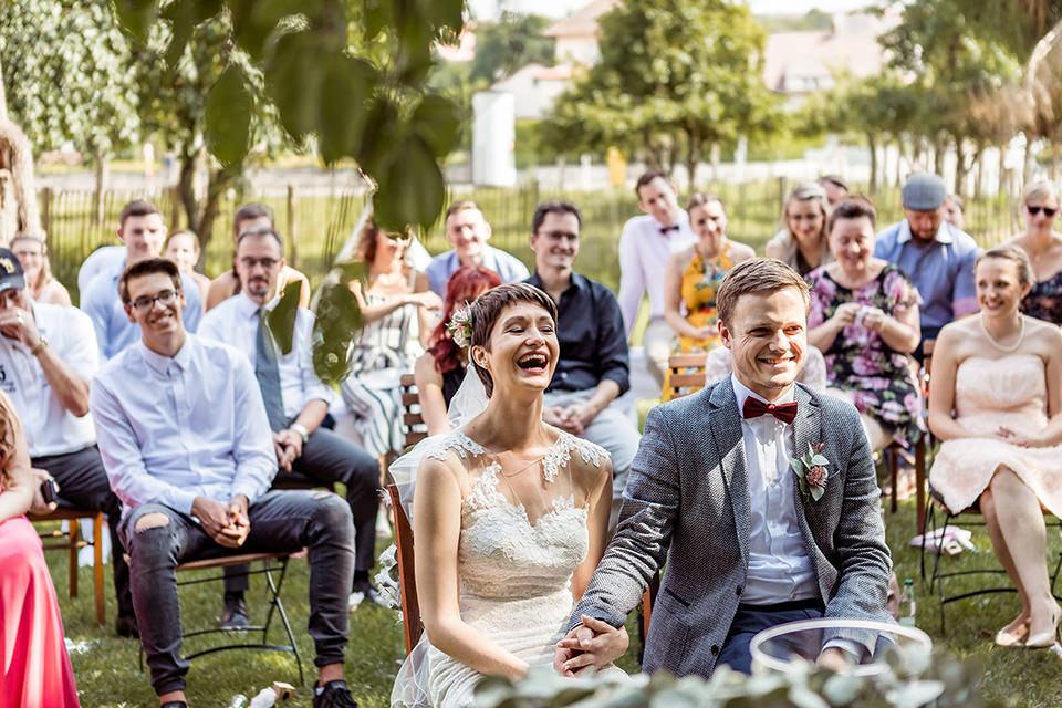 Hochzeitsfotograf Düsseldorf heiraten mit freier Trauung im Berthold 57 Gochsheim